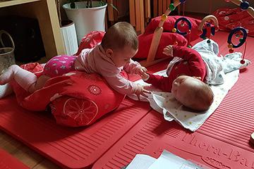 Babys während Rückbildungskurs